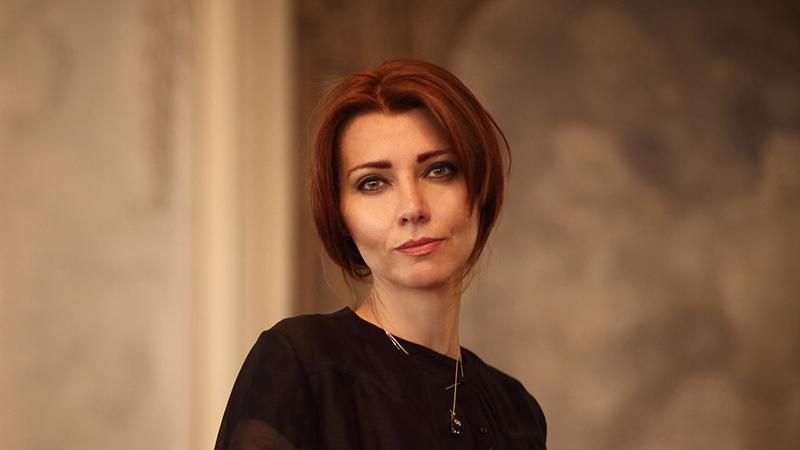 الیف شافاک نویسنده مشهور ترکیه ای